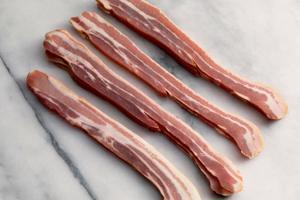 Smoked Dry Cured Streaky Bacon 350g