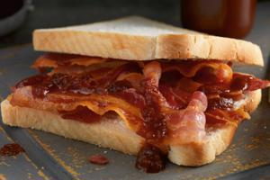 Unsmoked Dry Cured Streaky Bacon