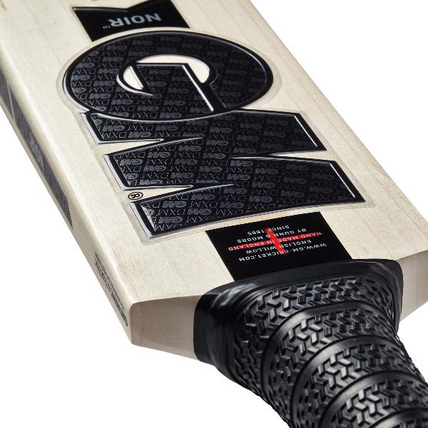 Gunn & Moore NOIR 404 Cricket Bat