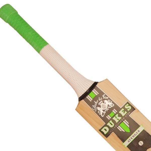 Dukes Avenger Club Pro Cricket Bat