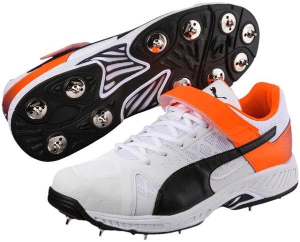 Puma evoSPEED 18.1 Cricket Bowling Shoe%