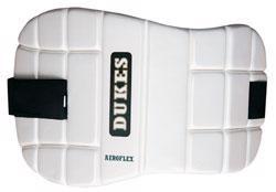 Dukes Aeroflex Chest Pad