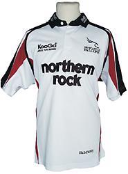 KooGa Newcastle Falcons away jersey.