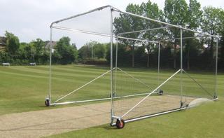 Premier Wheelaway Cricket Cage - Alumini