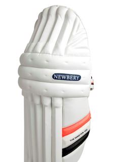 Newbery The Master 100 Batting Pads